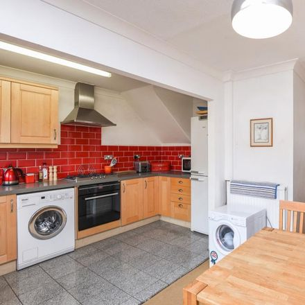 Rent this 3 bed house on Caldecott Close in Vale of White Horse OX14 5HA, United Kingdom