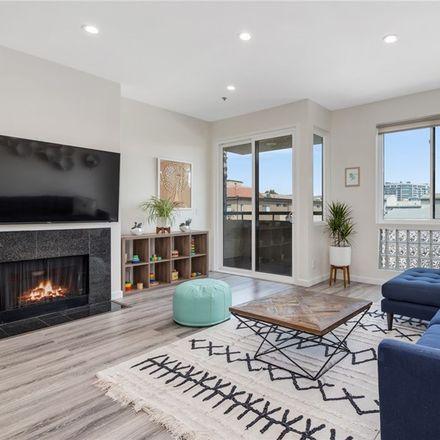 Rent this 3 bed condo on 2491 Purdue Avenue in Los Angeles, CA 90064