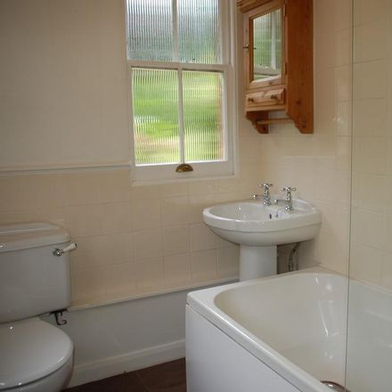 Rent this 2 bed apartment on Broadwater Down in Tunbridge Wells TN2 5NY, United Kingdom