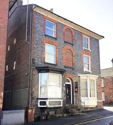 Rent this 1 bed apartment on Woburn Care Company in Albion Street, Dunstable LU6 1SA