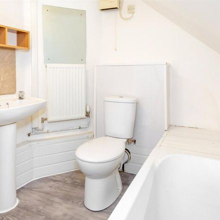 Rent this 2 bed apartment on Riverside Walk in Water Lane, Selby YO8 4ED