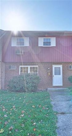 Rent this 3 bed townhouse on 1347 Stanford Road in Bethlehem, PA 18018