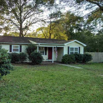 Rent this 3 bed house on Craig St in Jasper, TX
