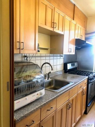 Rent this 2 bed condo on 141st St in Flushing, NY