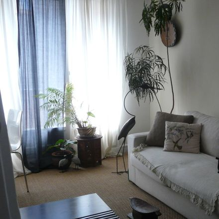 Rent this 1 bed room on Rue Franklin in 93100 Montreuil, France