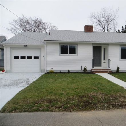 Rent this 3 bed house on 10 Elm Court in East Providence, RI 02916