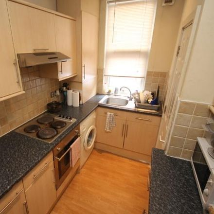 Rent this 4 bed room on Beamsley Place in Leeds LS6 1JZ, United Kingdom