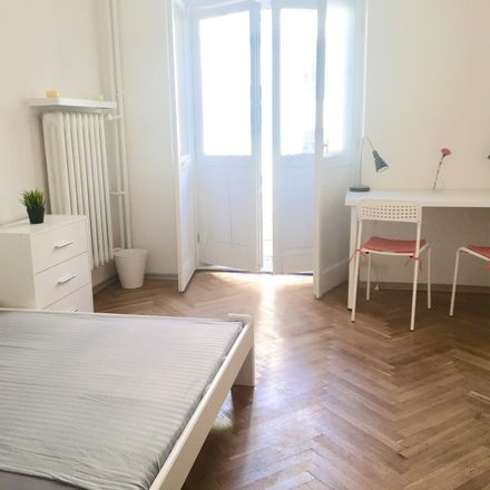 Rent this 4 bed room on Mokotowska in 00-001 Warszawa, Poland