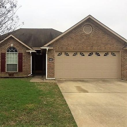 Rent this 3 bed house on 5304 Lantana Lane in Bossier City, LA 71112