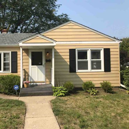 Rent this 3 bed house on 2421 Colorado Avenue in Rockford, IL 61108