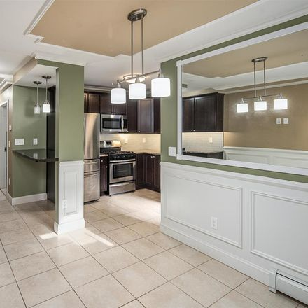 Rent this 3 bed apartment on 20 East 43rd Street in Bayonne, NJ 07002