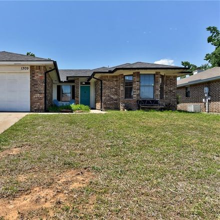 Rent this 3 bed house on 1309 Grand Manor in Midwest City, OK 73130