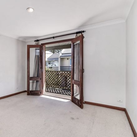 Rent this 3 bed house on 4a Charles Street