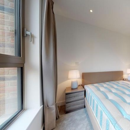 Rent this 2 bed apartment on Toynbee Studios in Gunthorpe Street, London E1 7RG