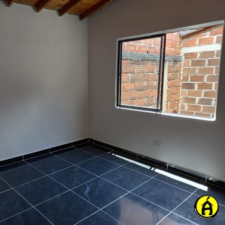 Rent this 2 bed apartment on todo a 2.000 in Calle 91A, Comuna 5 - Castilla