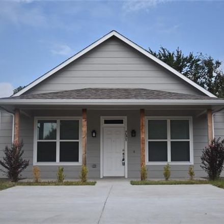 Rent this 3 bed house on 731 West Bond Street in Denison, TX 75020