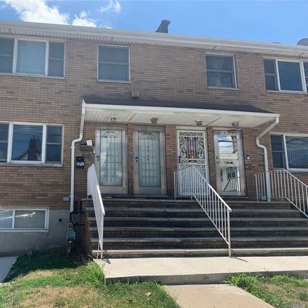 Rent this 3 bed house on 20th Ave in Whitestone, NY