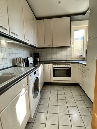 Rent this 3 bed apartment on Kirschenstraße in Lindenring, 82024 Taufkirchen