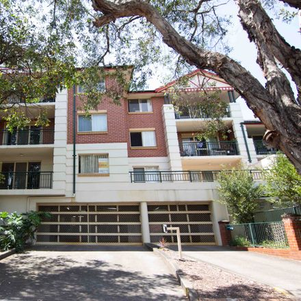Rent this 2 bed apartment on U/23 George Street
