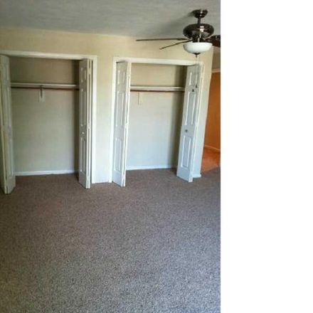 Rent this 3 bed townhouse on 1271 Hillock Crossing in Virginia Beach, VA 23455