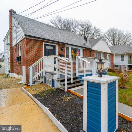 Rent this 3 bed townhouse on 743 Sharon Ave in Darby, PA
