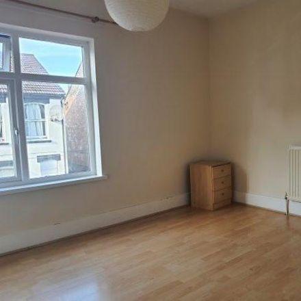Rent this 2 bed house on Tavistock Street in Luton LU1 3UT, United Kingdom