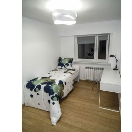 Rent this 3 bed room on Ogrodowa 52/54 in 00-876 Warsaw, Poland
