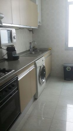 Rent this 2 bed room on bearritz in 9, 48002