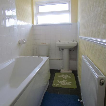 Rent this 2 bed apartment on Robert Jayes Library in High Road, London RM6 6AP