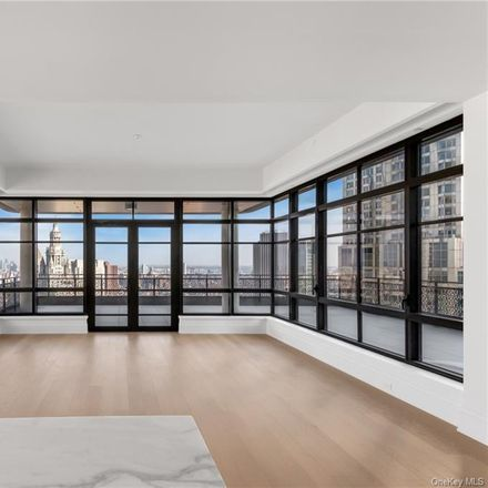 Rent this 2 bed condo on Park Row in New York, NY