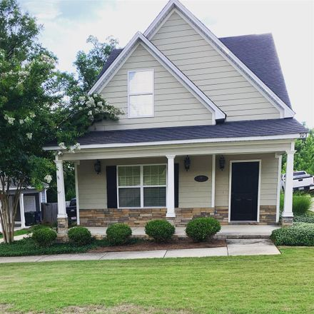 Rent this 1 bed room on Alumni Center in 317 South College Street, Auburn