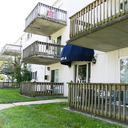 Rent this 2 bed apartment on 202 Fox Street in Elsmere, KY 41018