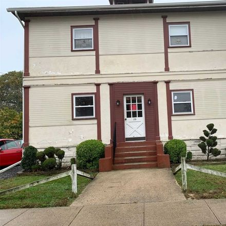 Rent this 2 bed apartment on 28 Lawrence Avenue in Lynbrook, NY 11563