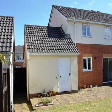 Rent this 3 bed house on Dol-Y-Llan in Llantrisant CF72 8RY, United Kingdom
