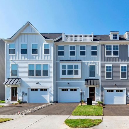 Rent this 3 bed townhouse on Charlottesville