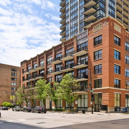 Rent this 2 bed condo on S Desplaines St in Chicago, IL
