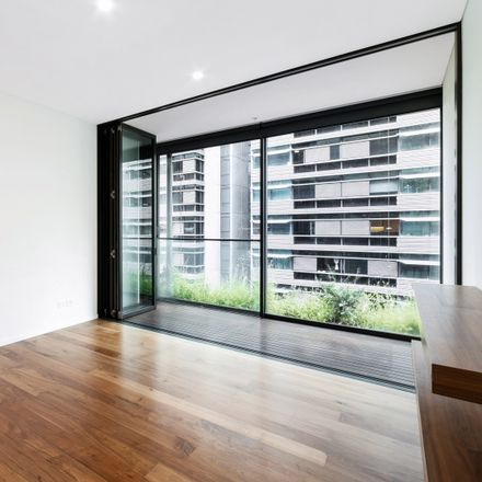 Rent this 1 bed apartment on 611/2 Chippendale Way