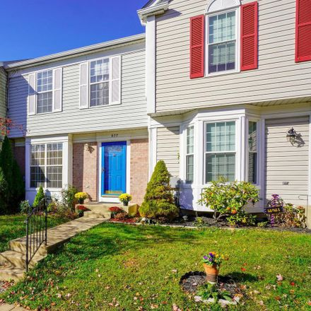 Rent this 3 bed townhouse on 677 Lucky Leaf Circle in Catonsville, MD 21228
