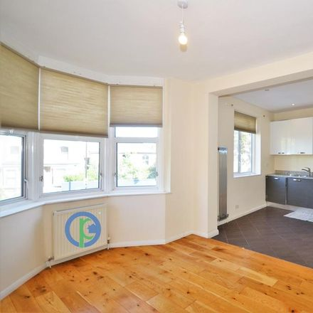 Rent this 3 bed apartment on Maidstone Road in London N11 2TJ, United Kingdom