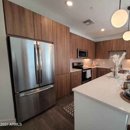 Rent this 1 bed apartment on 400 East Earll Drive in Phoenix, AZ 85012