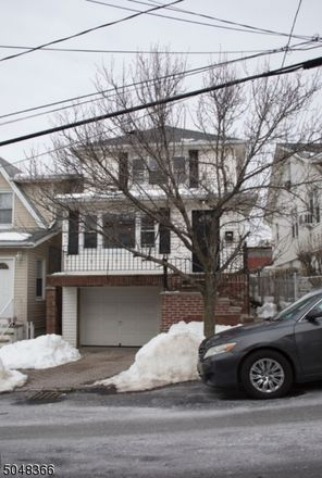 Rent this 4 bed house on 78th St in North Bergen, NJ