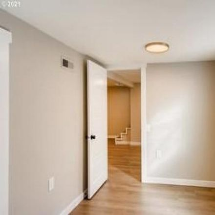 Rent this 3 bed house on 3542 Southeast 77th Avenue in Portland, OR 97206
