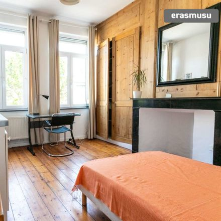 Rent this 0 bed apartment on Rue de l'École in 59800, Lille
