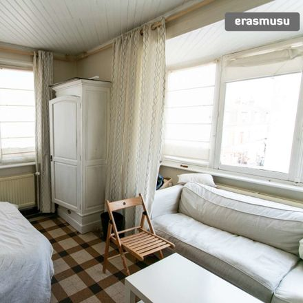 Rent this 3 bed room on Rue Dupuytren in 59800 Lille, France