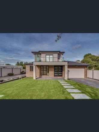 Rent this 1 bed room on Morotai Avenue in Ashburton VIC 3147, Australia