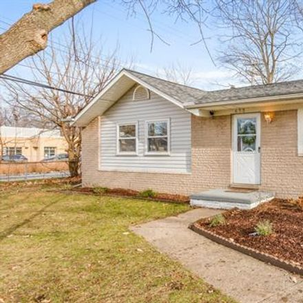 Rent this 4 bed house on 633 Robinwood Drive in Troy, MI 48083