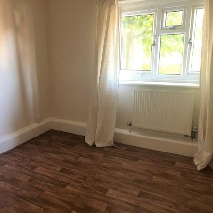 Rent this 2 bed apartment on Kepstorn Close in Leeds LS5 3EL, United Kingdom
