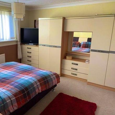Rent this 3 bed house on Lon Glynfelin in Neath Abbey SA10 7HU, United Kingdom