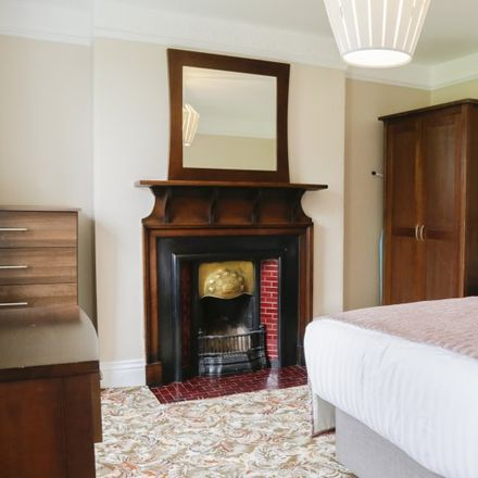 Rent this 7 bed apartment on St Columba's Church in Iona Road, Botanic C ED