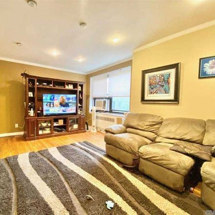 Rent this 3 bed condo on 28th Rd in Flushing, NY